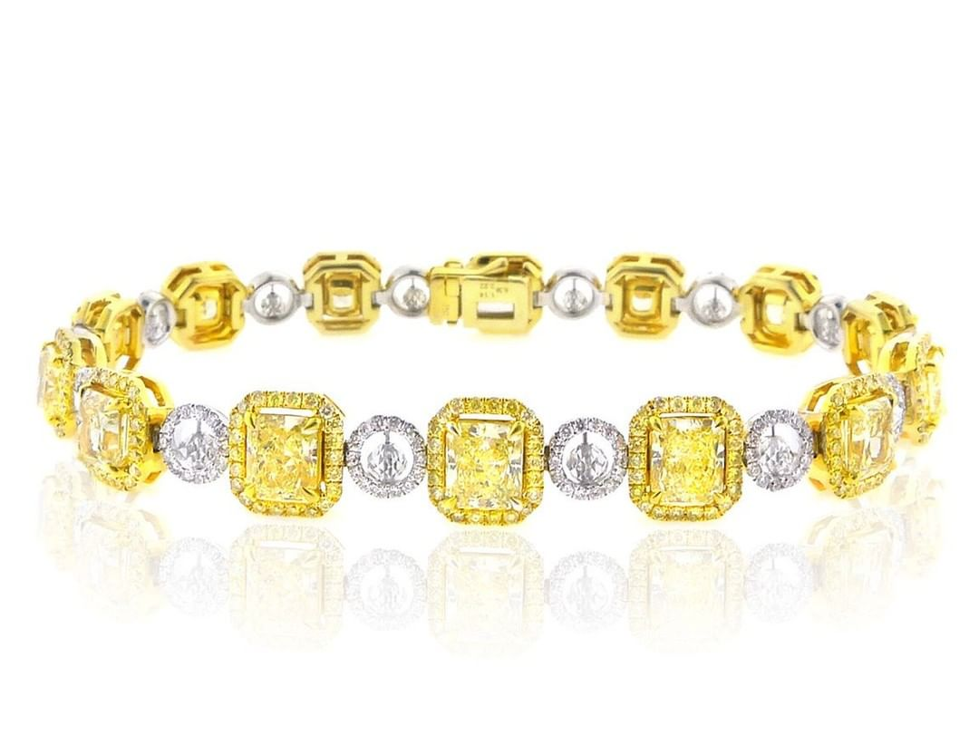 Better Than Diamond >> What S Better Than Diamonds Colored Diamonds 18k Yellow Gold And
